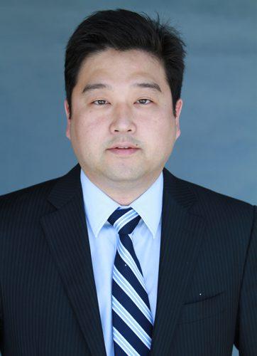 vJames Sunwoo, MD, DDS of Woolf Dental in Bakersfield, CA